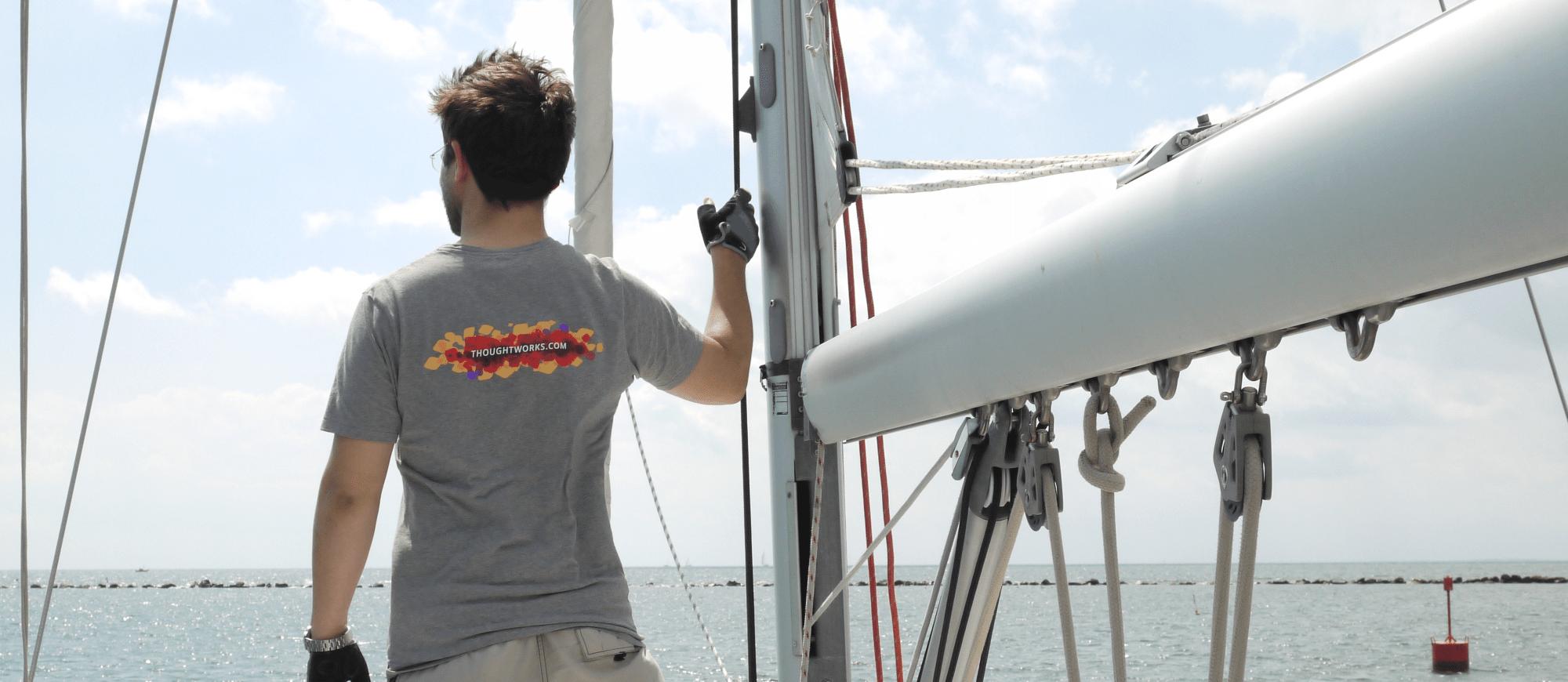 wallpaper_sailing.png